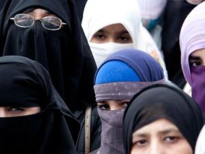 AMC10 0417 Niqab 6